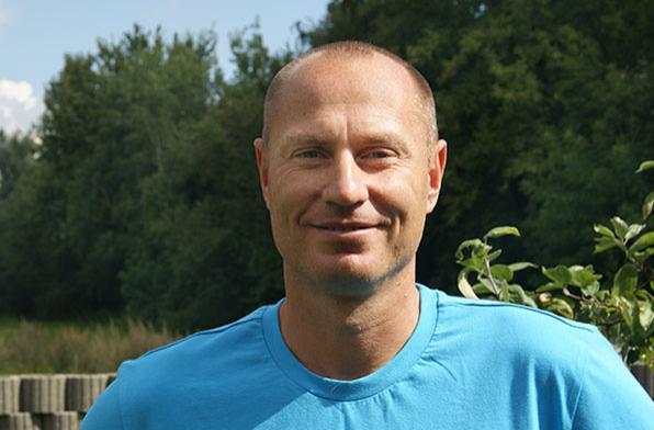 Евгений Кремнев тренер академии тенниса в пригороде Мюнхена